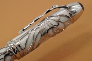 モンブラン パトロンシリーズ カーネギーのキャップ横の細工